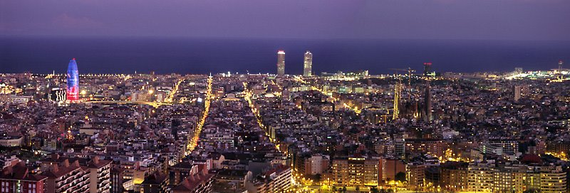 Barcelona at night barcelona city tours in catalonia spain