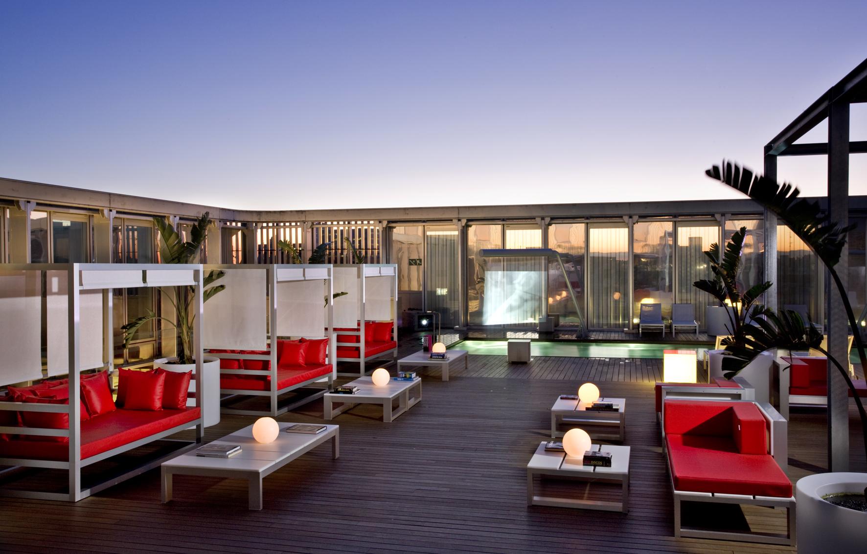 terrazas premium en los hoteles de barcelona c cteles en